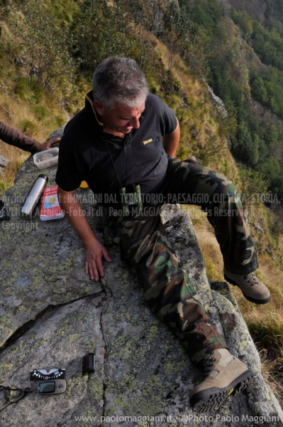 24-settembre-2011-dolmen-monte-freddone-alpi-apuane-apuanian-alps-enrico-calzolari-photo-paolo-maggiani_dsc4251jpg_26048264092_o