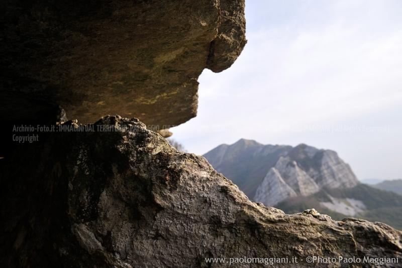 24-settembre-2011-dolmen-monte-freddone-alpi-apuane-apuanian-alps-enrico-calzolari-photo-paolo-maggiani_dsc4277jpg_25867922460_o