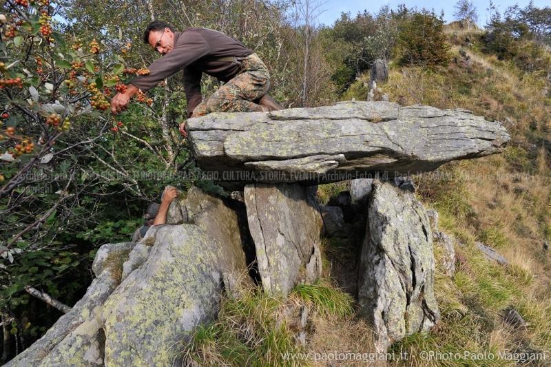 24-settembre-2011-dolmen-monte-freddone-alpi-apuane-apuanian-alps-enrico-calzolari-photo-paolo-maggiani_dsc4286jpg_25538172153_o