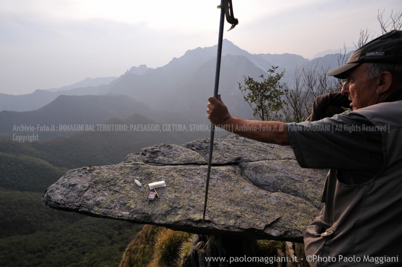 24-settembre-2011-dolmen-monte-freddone-alpi-apuane-apuanian-alps-enrico-calzolari-photo-paolo-maggiani_dsc4295jpg_26140818145_o