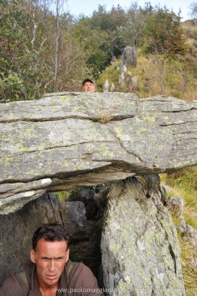 24-settembre-2011-dolmen-monte-freddone-alpi-apuane-apuanian-alps-enrico-calzolari-photo-paolo-maggiani_dsc4328jpg_26140879605_o