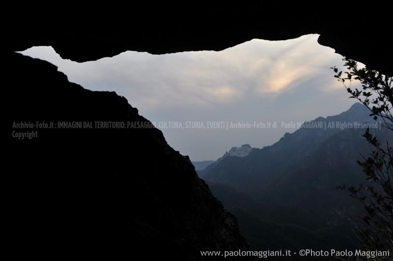 24-settembre-2011-dolmen-monte-freddone-alpi-apuane-apuanian-alps-enrico-calzolari-photo-paolo-maggiani_dsc4353jpg_25536133104_o