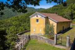 182ND61019PMAG_5797_Paolo-Maggiani_02082019_Apella-bosco-chiesa-collina-Licciana-Nardi-Lunigiana