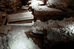 4193650__19042008_Aulla-Lunigiana-medioevo-misteri-mistero-Paolo-Maggiani-S.Caprasio-San-Caprasio-tomba