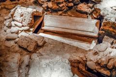 4193651__19042008_Aulla-Lunigiana-medioevo-misteri-mistero-Paolo-Maggiani-S.Caprasio-San-Caprasio-tomba