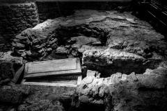 4193639__19042008_Aulla-Lunigiana-medioevo-misteri-mistero-Paolo-Maggiani-S.Caprasio-San-Caprasio-tombaBN