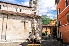 D70015_DSC8016_Paolo-Maggiani_04052015_Carrara-Duomo-marmo-pieve-S.-Andrea
