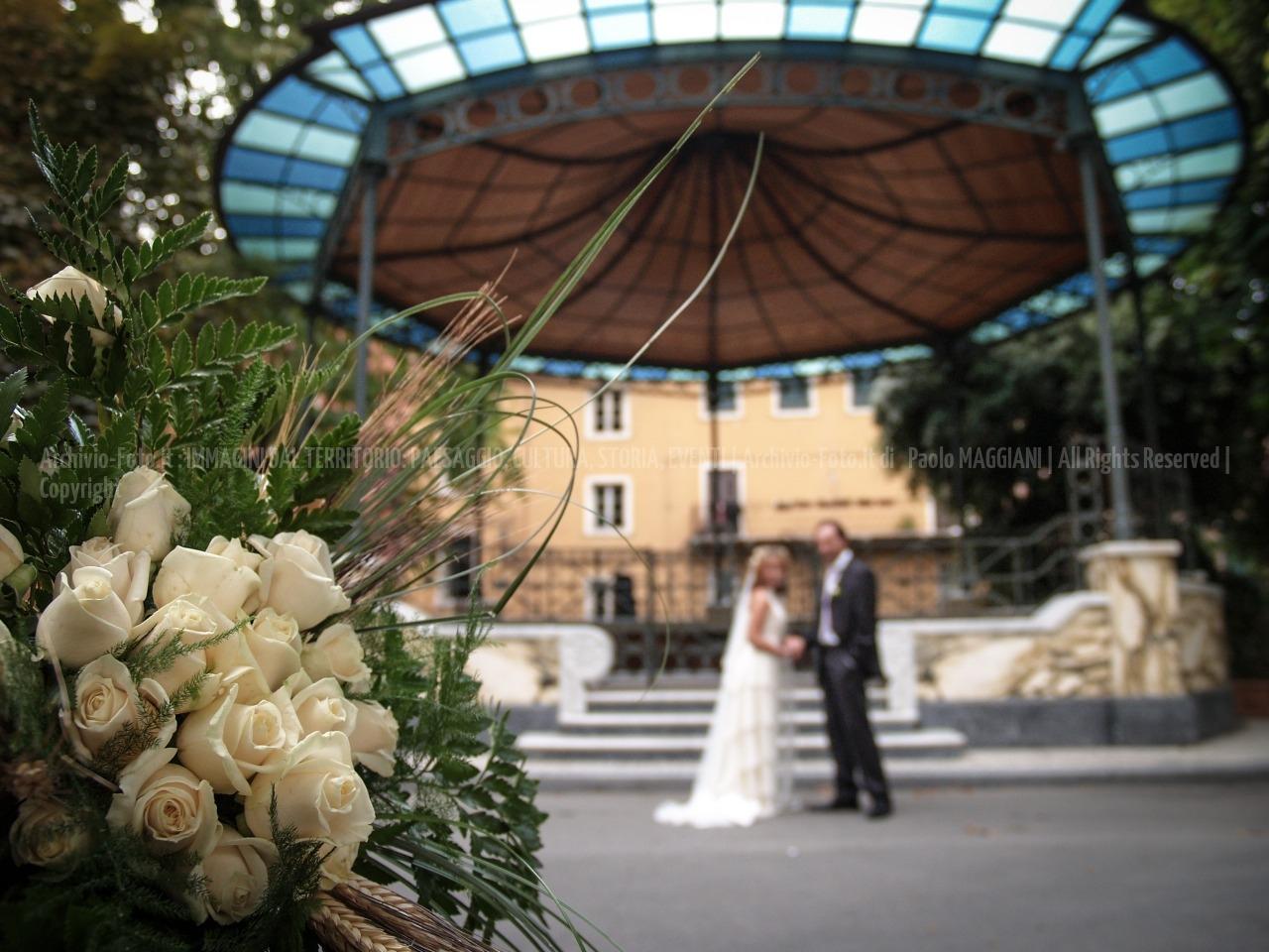 foto-229__24092005_beni-culturali-Carrara-marmo-matrimonio-palco-della-musica-Paolo-Maddy