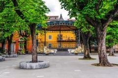 D70015_DSC7732_Paolo-Maggiani_26042015_Carrara-marmo-palco-della-musica-piazza-darmi-sculturaBN