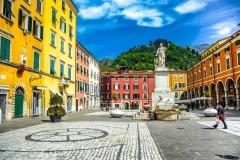 D70015_DSC7935_Paolo-Maggiani_04052015_Beatrice-DEste-Carrara-marmo-monumento-piazza-Alberica