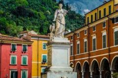 D70015_DSC7947_Paolo-Maggiani_04052015_Beatrice-DEste-Carrara-marmo-monumento-piazza-Alberica
