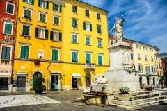 D70015_DSC7956_Paolo-Maggiani_04052015_Beatrice-DEste-Carrara-marmo-monumento-piazza-Alberica