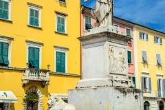 D70015_DSC7957_Paolo-Maggiani_04052015_Beatrice-DEste-Carrara-marmo-monumento-piazza-Alberica