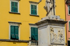 D70015_DSC7961_Paolo-Maggiani_04052015_Beatrice-DEste-Carrara-marmo-monumento-piazza-Alberica