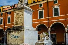 D70015_DSC7972_Paolo-Maggiani_04052015_Beatrice-DEste-Carrara-marmo-monumento-piazza-Alberica