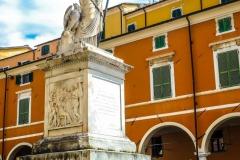 D70015_DSC7975_Paolo-Maggiani_04052015_Beatrice-DEste-Carrara-marmo-monumento-piazza-Alberica