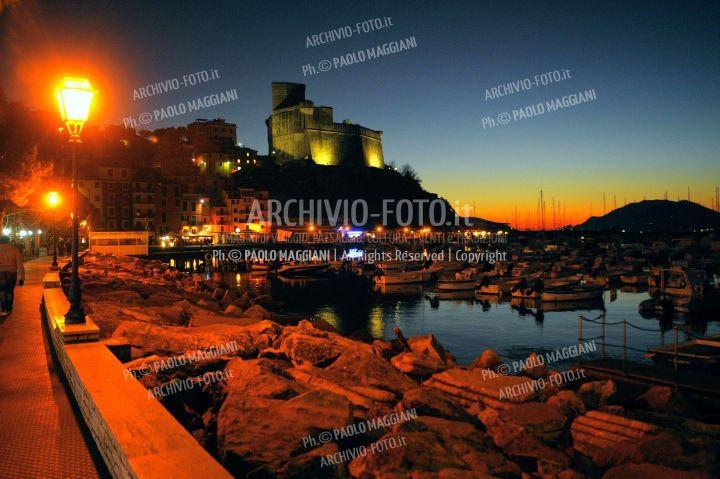 Lerici_Castello_porto_passeggiata_154ND70019P_MAG9971-FS