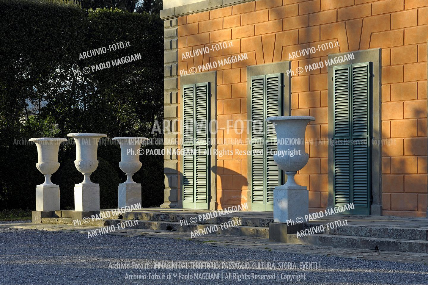 156ND70020P_MAG2966-FS-LUCCA_VILLA_REALE