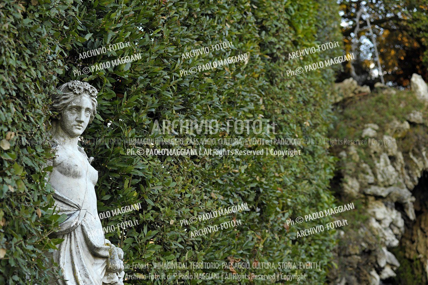 156ND70020P_MAG2983-FS-LUCCA_VILLA_REALE