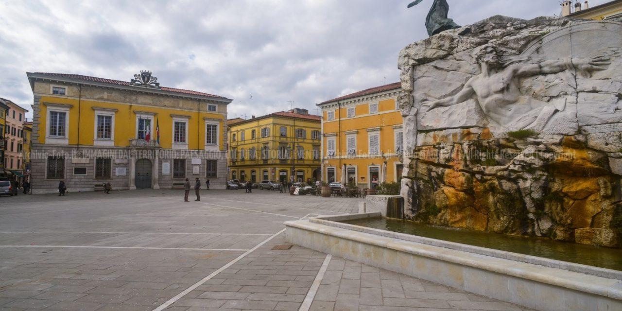 Sarzana, Nuove Gallerie di monumenti e piazze
