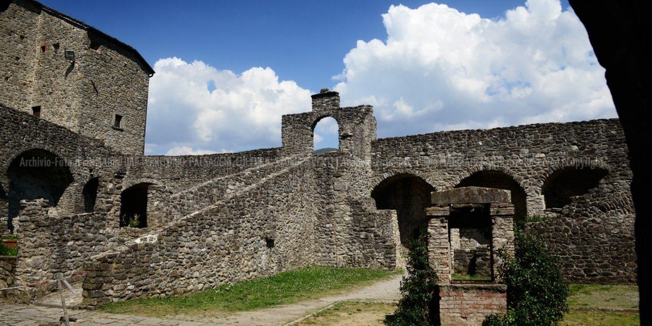 Pontremoli_Borgo e Castello del Piagnaro