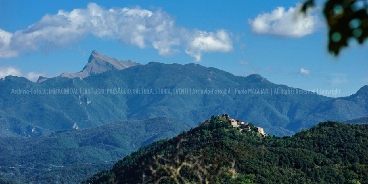 Bibbola e le Alpi Apuane